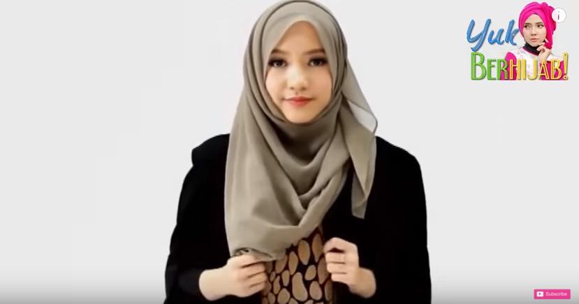 "Tutorial Hijab Paris Segi Empat Spesial ""Idul Fitri"" - Trend Hijab ..."