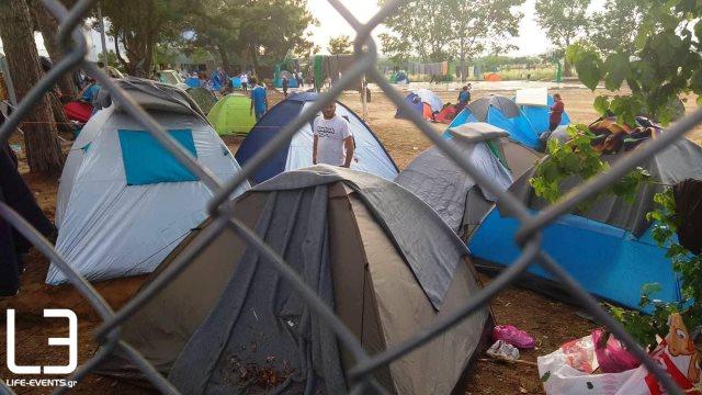 Παράνομοι λαθρομετανάστες συμφωνα με τον νόμο και όχι  πρόσφυγες απέκλεισαν την Εγνατία Οδό