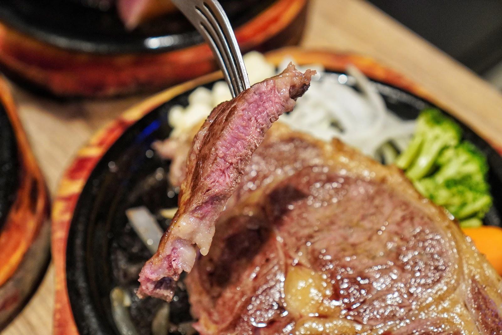 台南中西區美食【丹妮牛排】肋眼牛排橫切面