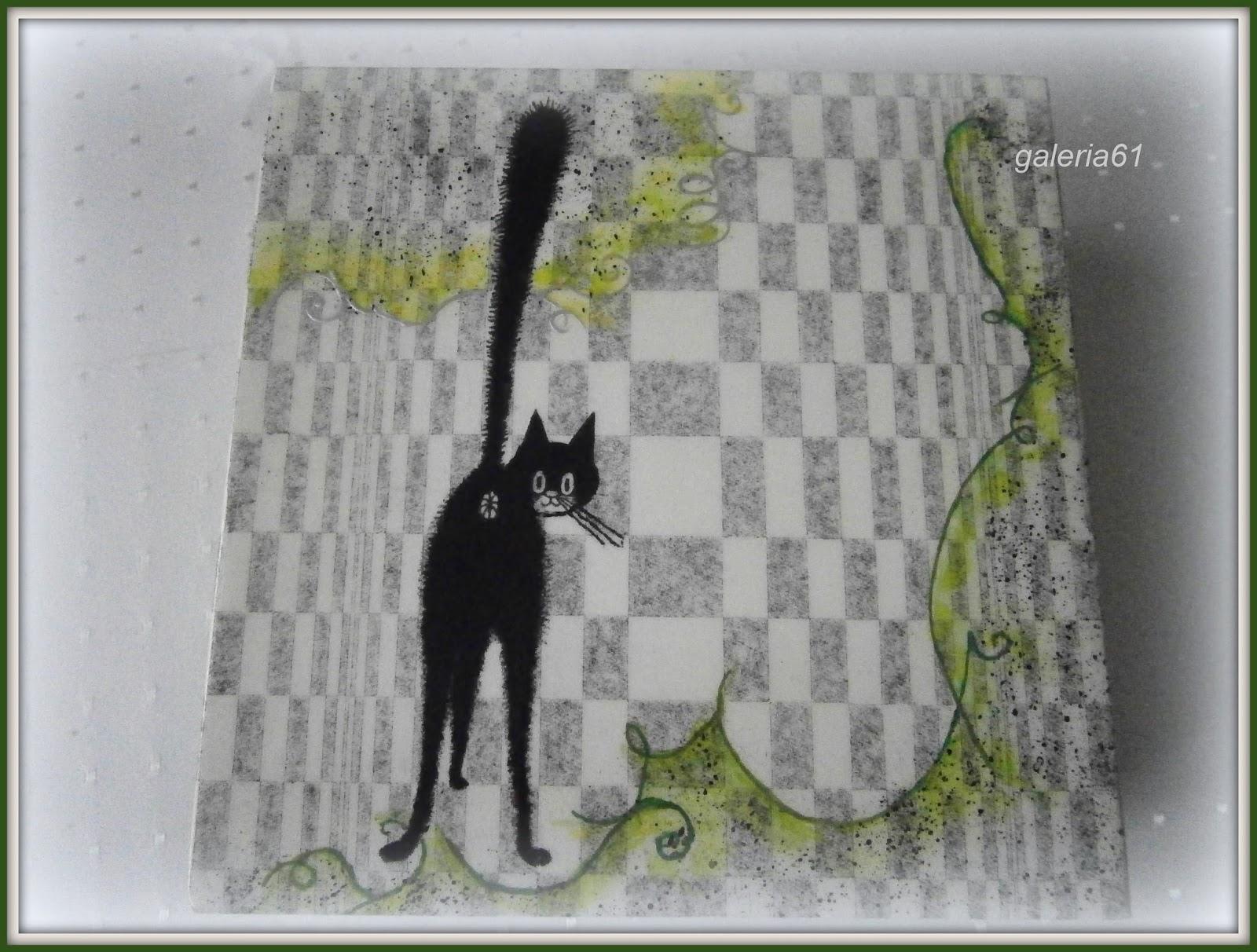 szkatułka decoupage z czarnym kotem