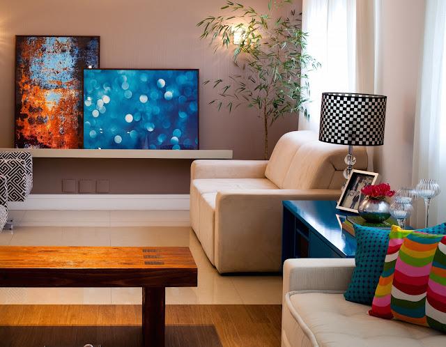 Cores bem dosadas no apartamento decorado em alto astral. Blog Achados de Decoração