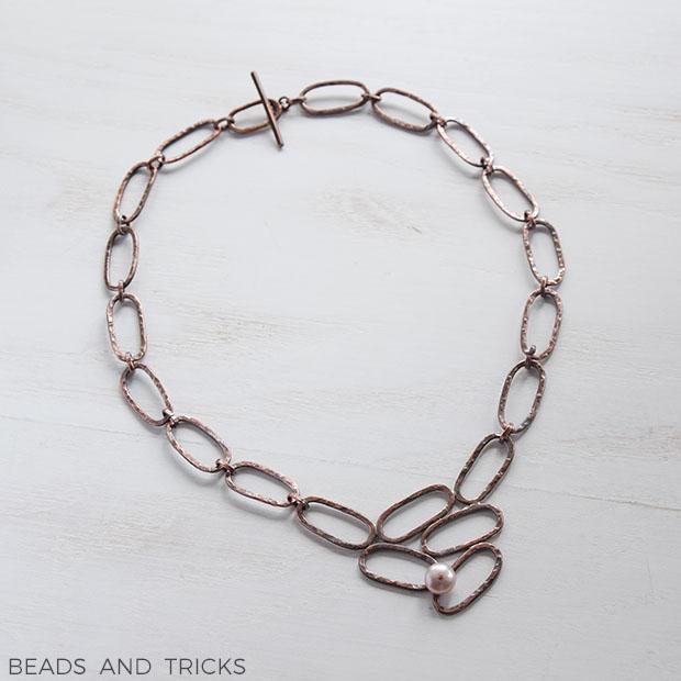 Girocollo in rame completamente realizzato a mano con perla coltivata