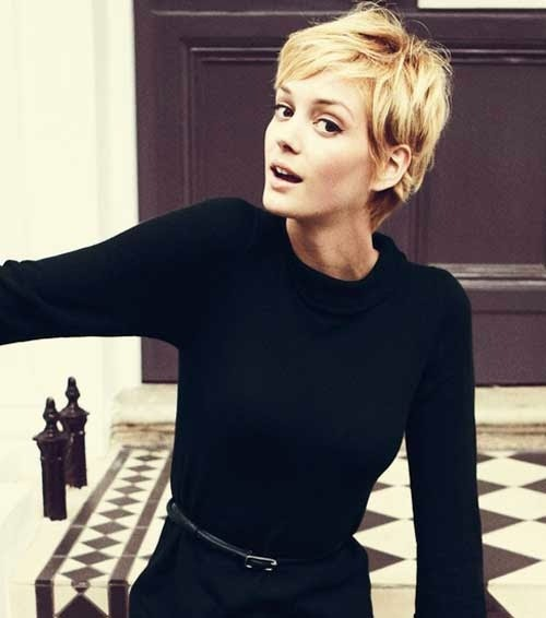 See more Longer length pixie. Would like it a bit better with short length at nape. http://www.womensandmenshairstyle.net/