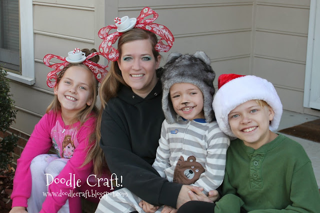 http://doodlecraft.blogspot.com/2012/12/grinchy-cindy-lou-who-teacup-headbands.html
