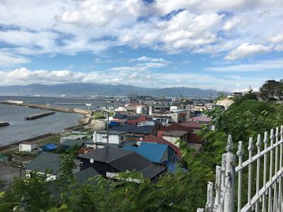 函館外国人墓地のある丘