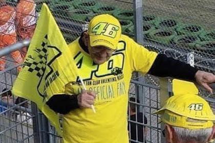 Valentino Rossi Berduka. Ritual Rossi Bisa Hilang ?
