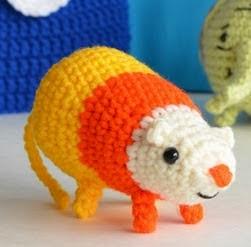 http://www.popsdemilk.com/wp-content/uploads/2014/10/Candy-Corn-Rat-Pattern.pdf