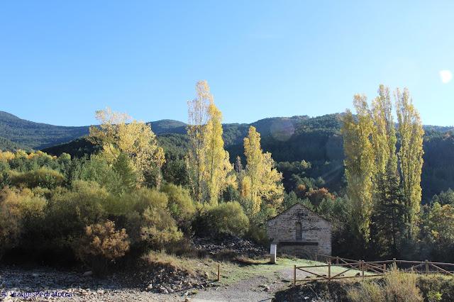 Pirineu aragonès, art romànic, colors de tardor
