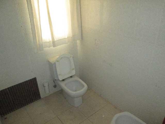 piso en venta calle navarra castellon wc1