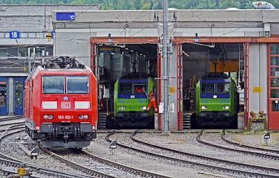 तेजस ट्रेन (Tejas Train) के बारे में रोचक जानकारी