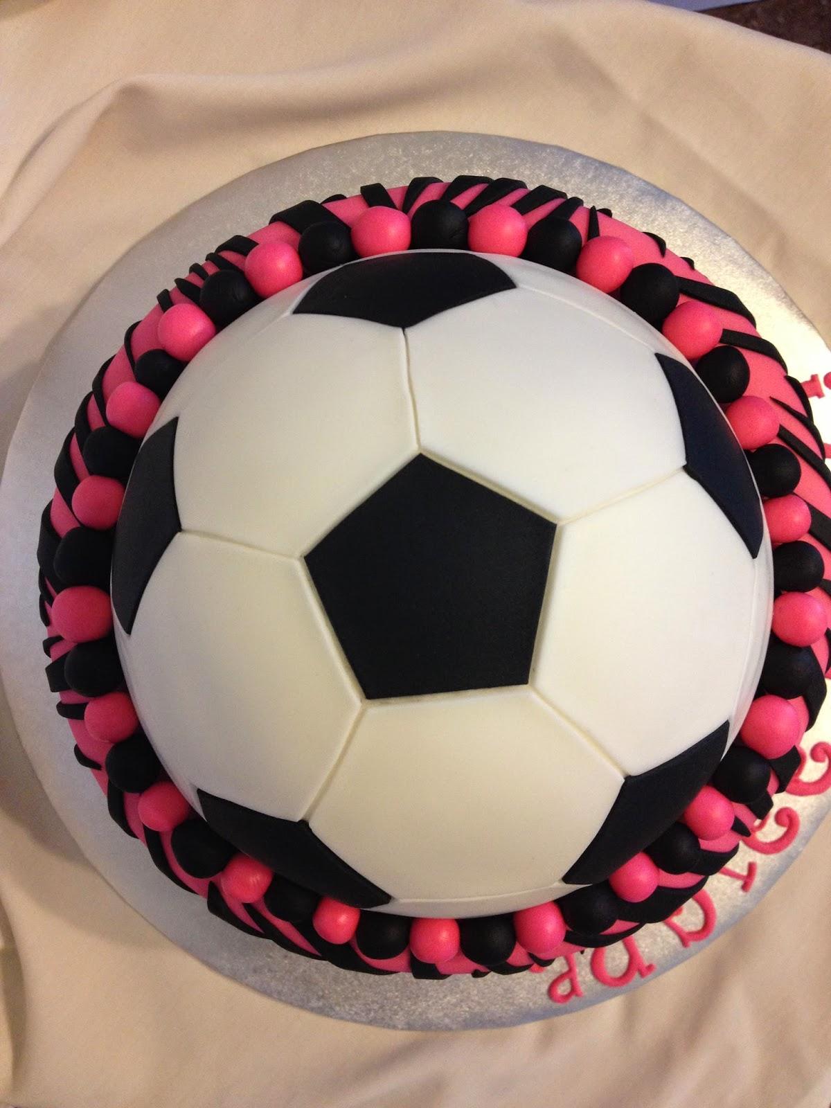 Sugar Love Cake Design: Silly boys! Soccer is for girls!
