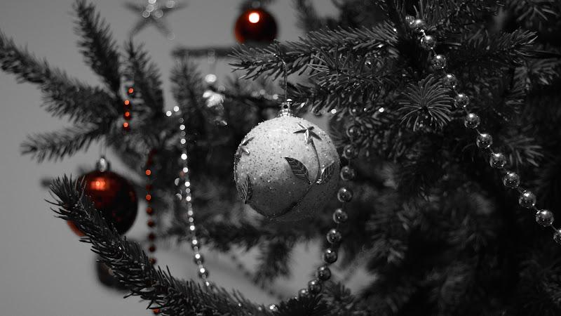 4th Christmas Balls in Tree HD