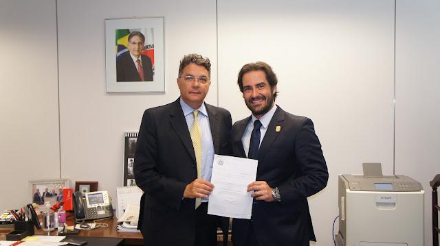 Secretário de Estado de Planejamento Helvécio Magalhães e Chefe de Gabinete da PCMG,  Delegado-Geral Bruno Tasca