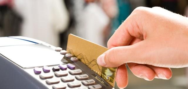 """""""Βιομηχανία"""" απάτης στις συναλλαγές με κάρτες"""