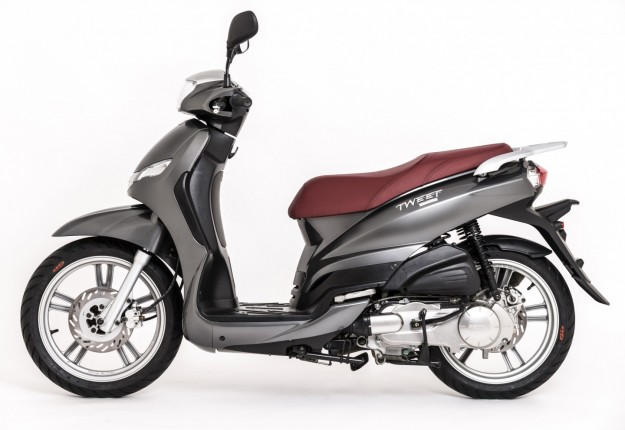 coches y motos 10 peugeot scooter tweet 125 evo 2016. Black Bedroom Furniture Sets. Home Design Ideas