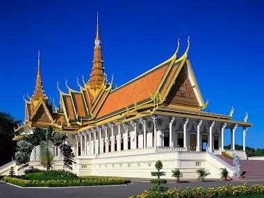 Cambodia Travel Story through Temples of Angkor Wat