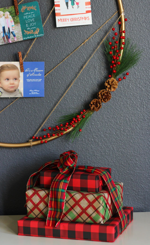 Make A Holiday Card Holder From A Hula Hoop Design