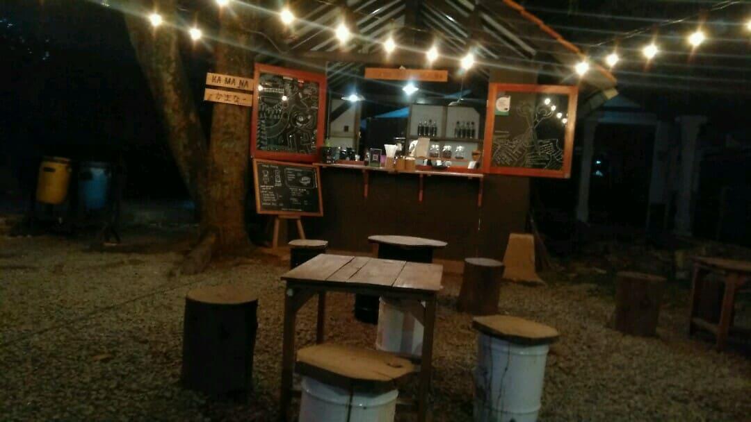Nongkrong Asik di Cafe Purwakarta - KA MA NA Coffe