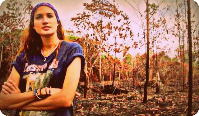 Nadine Chandrawinata Menangis Dengan Penebangan Hutan di Papua