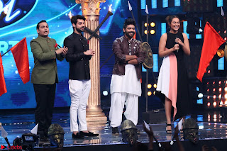 Sonakshi Sinha on Indian Idol to Promote movie Noor   IMG 1475.JPG