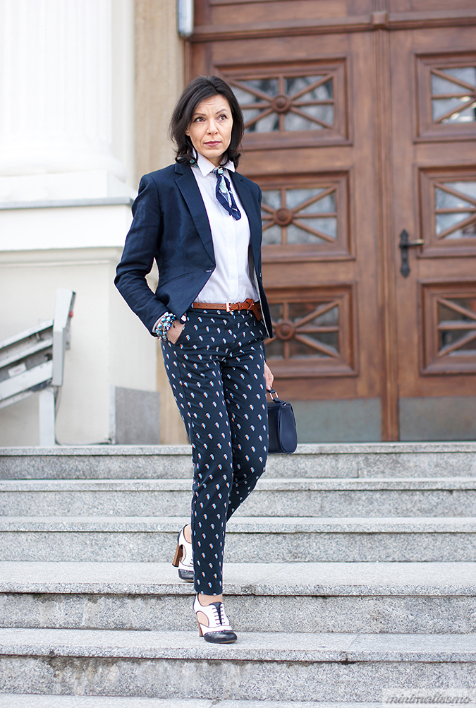 https://minimalissmo.blogspot.com/2016/04/patterned-pants.html