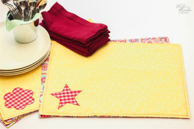 http://www.realcoake.com/2013/07/how-to-make-placemats.html