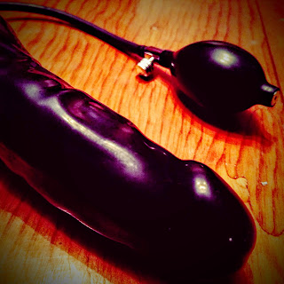 juguete sexual con perilla para inflar