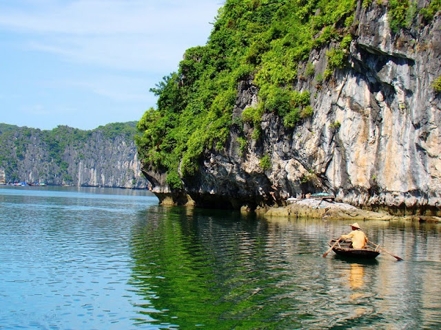 Top 3 most beautiful bays in Ha Long 3
