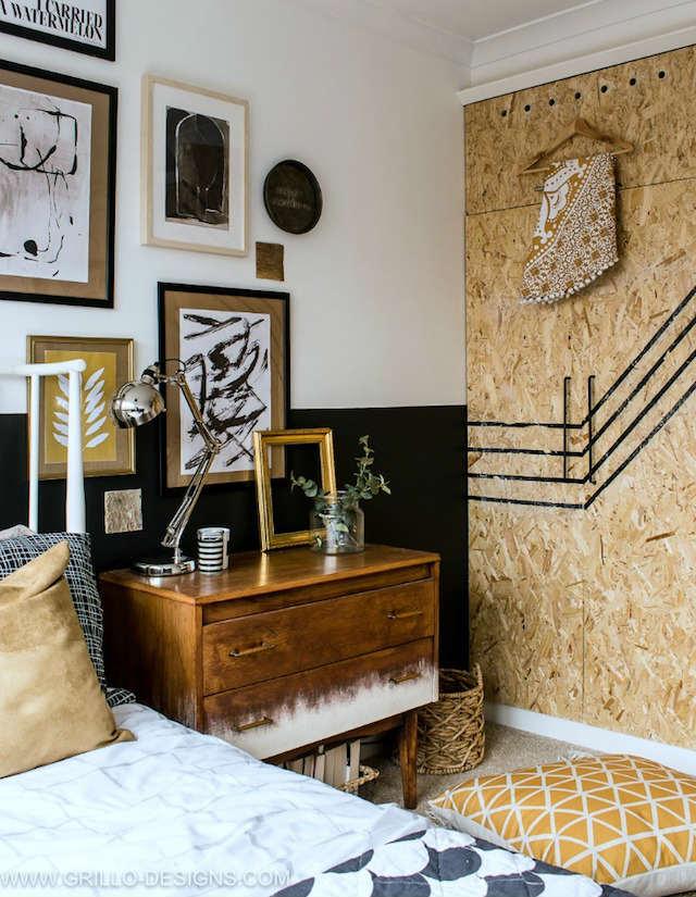 Dormitorio boho o rústico con pared pintada a media altura y armario con puertas osb