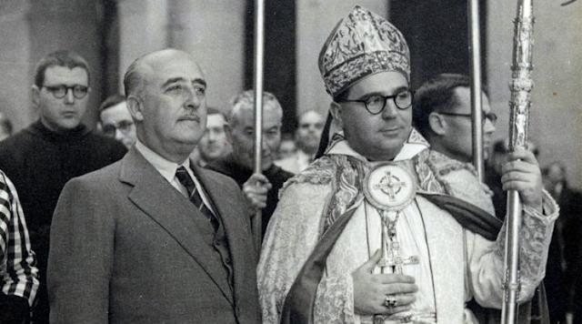La Diputación de a Coruña estudia llevar a la Fundación Francisco Franco a los tribunales