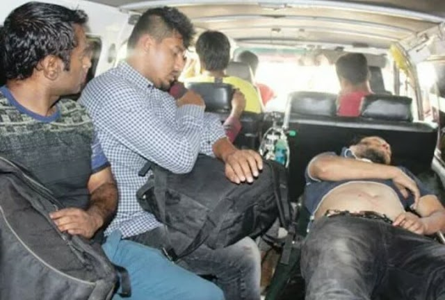 লোহাগাড়ায় হোটেল 'মিডওয়ে ইনে' হাতাহাতি : যাত্রীসহ আহত ২০ : আটক ৩