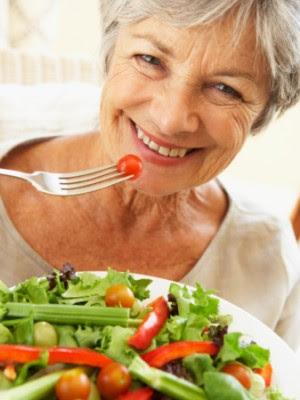 8 vitaminas vitales para mujeres mayores