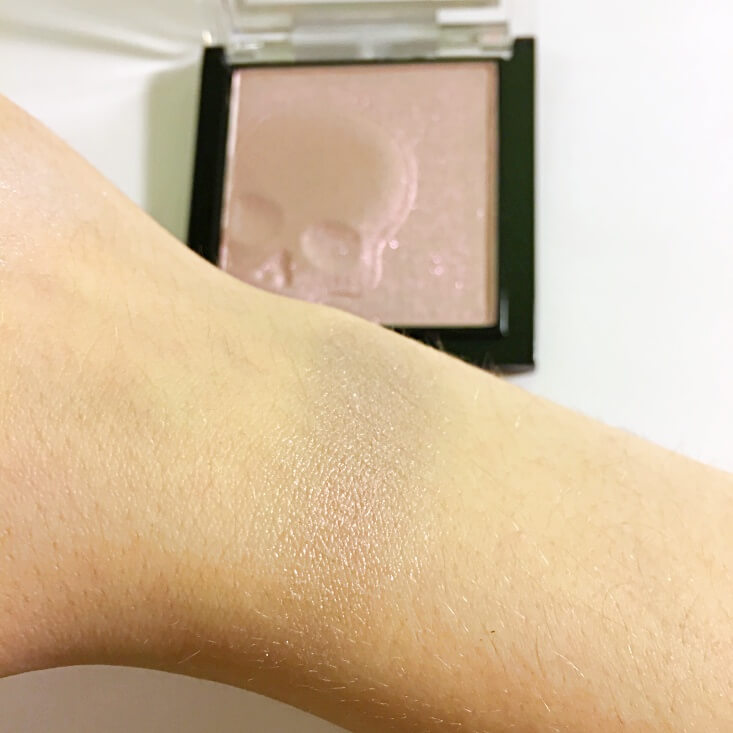 wet n wild megaglo Highlighting Powder Purple Ashes swatch