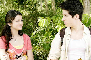David henrie and selena gomez in Wizards Of Waverly Place