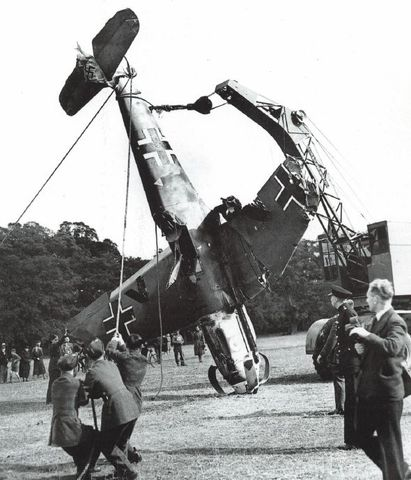 27 October 1940 worldwartwo.filminspector.com Bf 109 Windsor Great Park