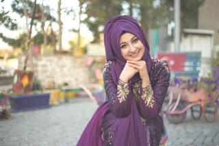 Cara menentukan baju muslim untuk pesta