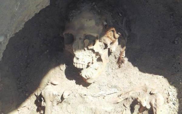 Restos de una mujer pelirroja hallados en la necrópolis egipcia de Fag el-Gamus.