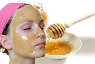 Menggunakan madu murni