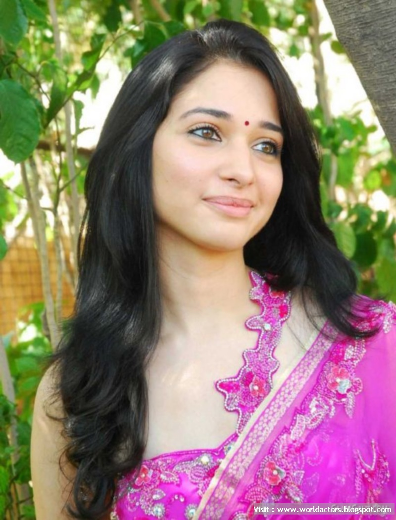 Tamanna Bhatia Mind Blowing Cute Picture Gallery