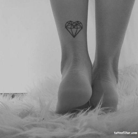 tatuagens femininas para a panturrilha