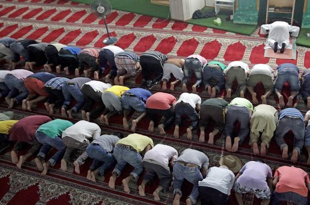 Materi Khutbah Jumat Terbaru Keniscayaan Budaya Islam 2