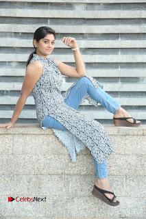 Telugu Television Actress Karuna Latest Pos In Denium Jeans  0115.JPG