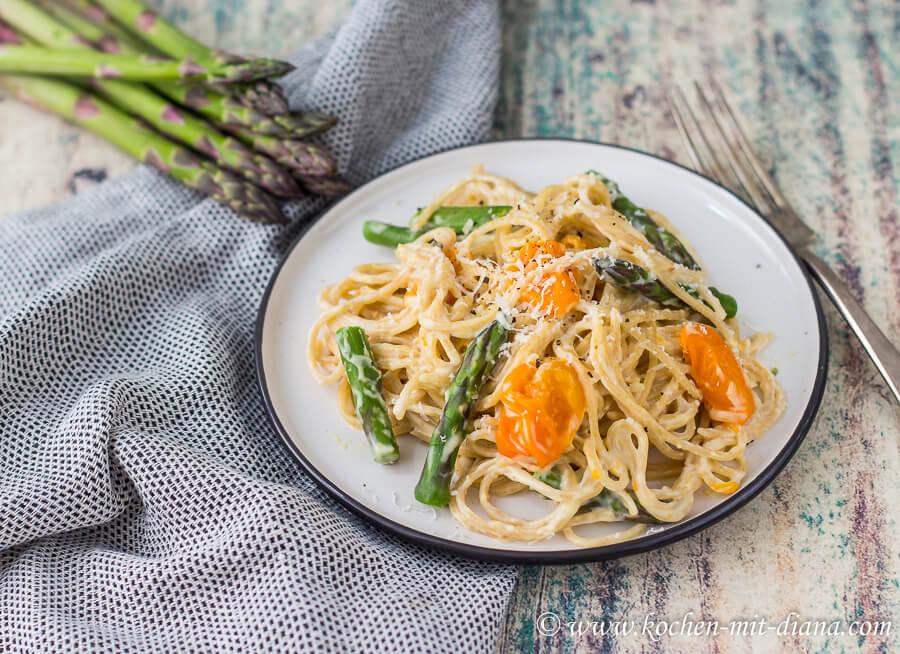 One Pot Pasta mit Spargel