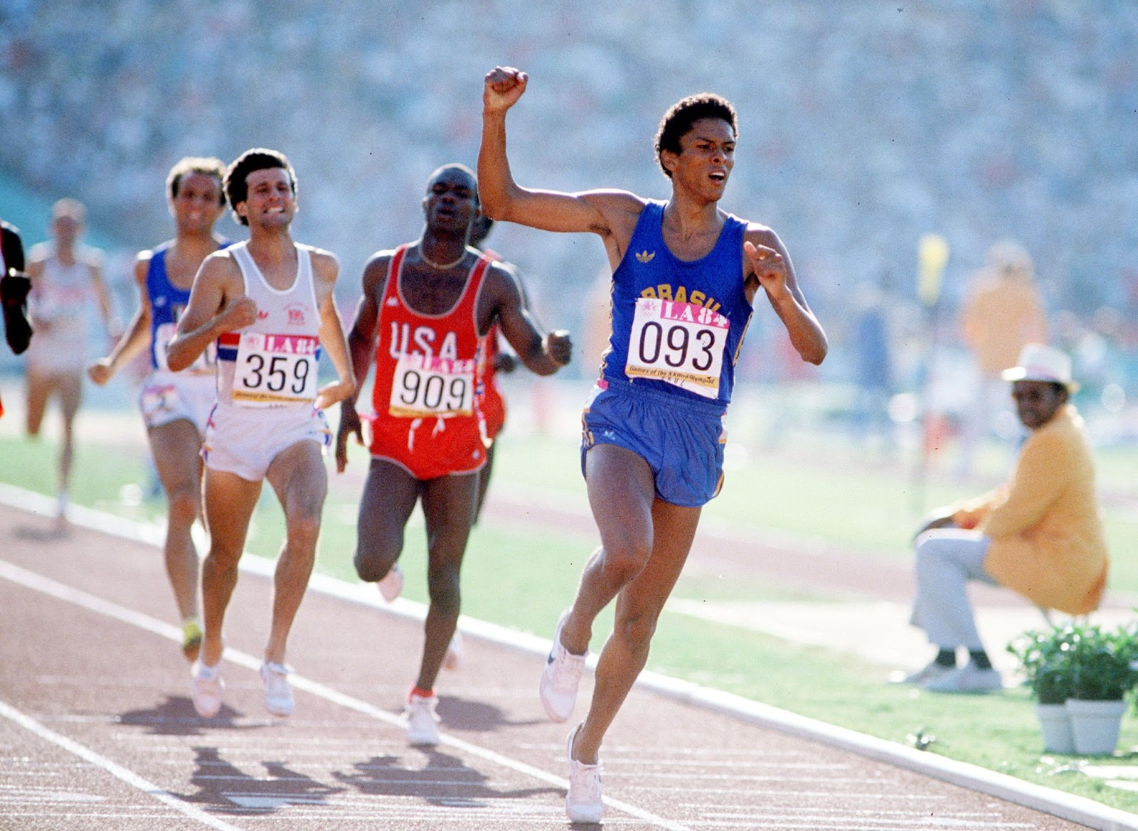 Training A 405 High School Miler North Shore Country Day Circuit Workouts Oregon Curcuit Workout Ass Joaquim Cruz Winning Gold At 800m In 1984 La