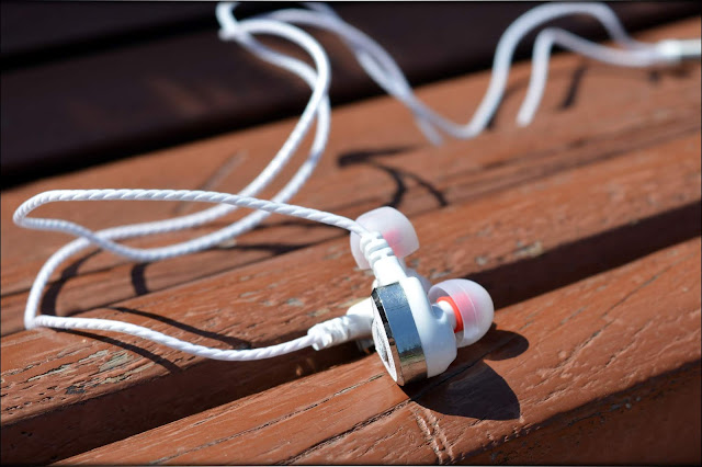 Intrigued by Energy - Simphonio Xcited2 IEMs Review