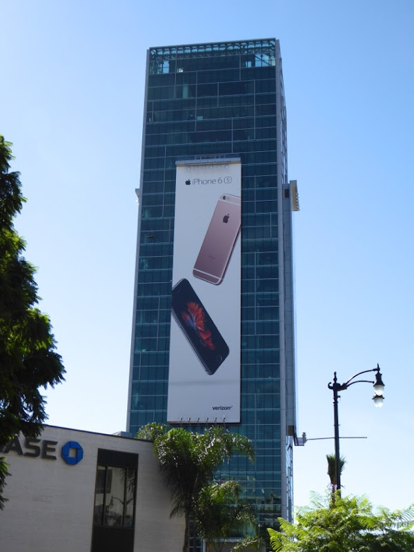 Giant Apple iPhone 6s billboard