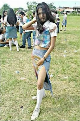 foto vulgar siswi SMA saat kelulusan