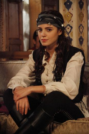 Turkish 'Magnificent Century (Mera Sultan)' actress Ezgi Eyuboglu Full HQ Sexy/Hot Photos & Wallpapers