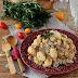 Gnocchi com Molho de Queijo, Tomate Seco, Bacon e Cogumelos