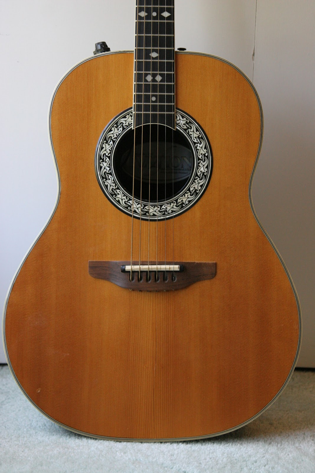 guitar industry trends and dynamics ovation 1980 model 1617 acoustic electric. Black Bedroom Furniture Sets. Home Design Ideas